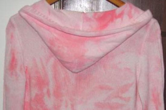 衣服染色了怎么洗掉_粉色衣服染色怎么洗掉 - 飞秒生活