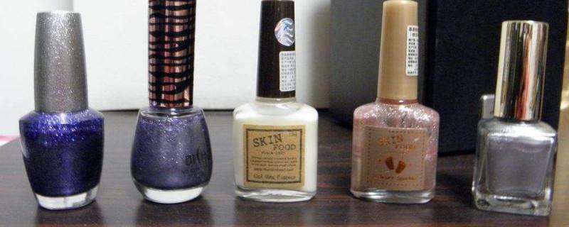 「指甲油」指甲油弄到地板上怎么洗掉小窍门